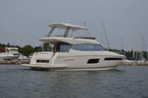2018 Prestige 560 Flybridge 2018 Prestige 560 Fly Bridge With Hard Top / Sistership Photo