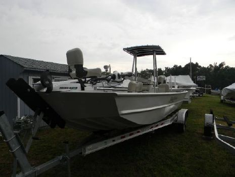 2015 SEAARK BOATS INC 2472MV Custom Center Console