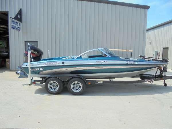2002 Javelin Boats 200 FS