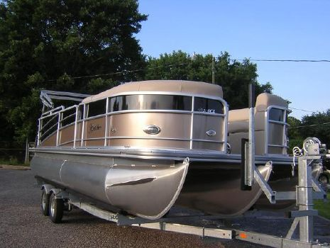 2015 Berkshire 230 CL STS