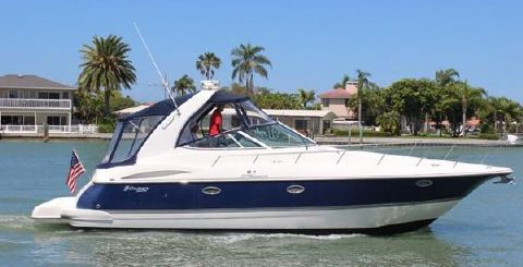 2007 Cruisers Yachts 370 Express Beautiful PJ PARTY out for a day cruise!