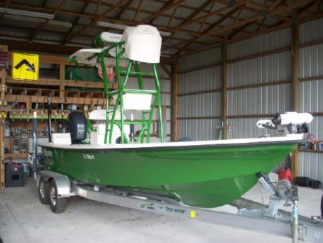 2015 CUSTOM Bonefish Hill Tide 22