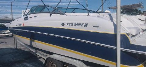 2007 FOUR WINNS 244 Fun Ship