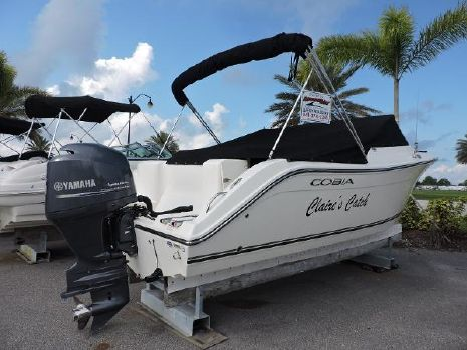 2013 Cobia Boats 220 Dual Console