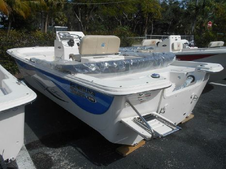 2017 Carolina Skiff 218 DLV