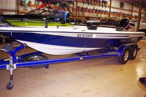 1998 Champion Boats 20
