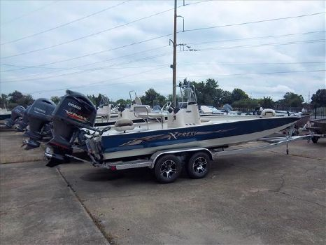2015 Xpress Bay boat H24 Bay