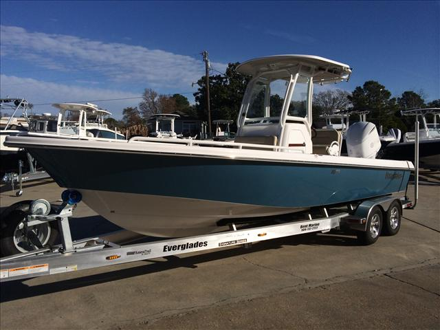 2014 EVERGLADES BOATS Center Console 243 SS
