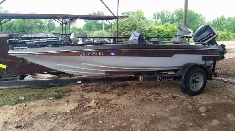 1981 Champion Boats 171