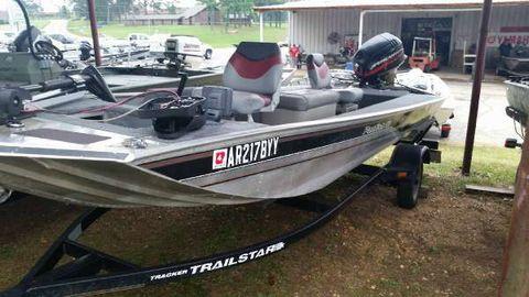 2000 Bass Tracker 16PF