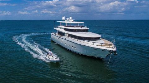 2006 Johnson Motor Yacht