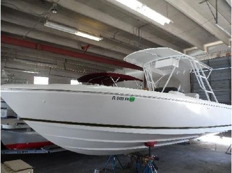 1998 Intrepid 289 Open Center Console