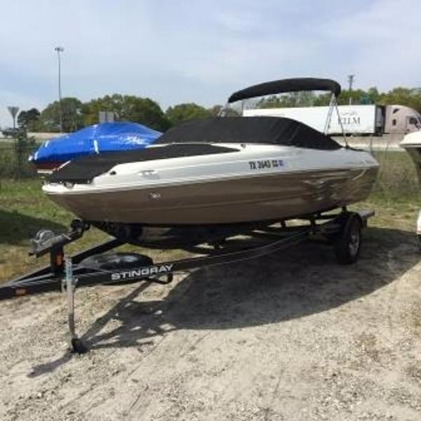 2014 stingray 208 lr 21 foot 2014 stingray motor boat in for Used boat motors for sale in sc