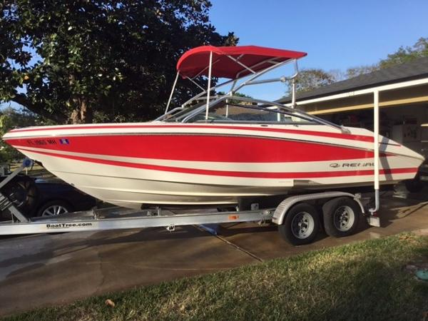 2003 regal 2200 bowrider 22 foot 2003 regal motor boat for Bowrider boats with outboard motors