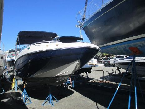 2008 Hurricane 2400 sun deck