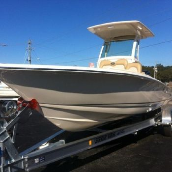 2015 Scout Boats 251 XS