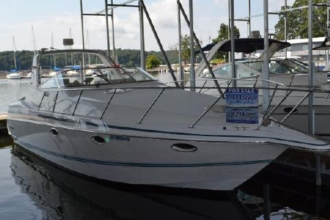 1997 Chris-Craft 34 Crowne