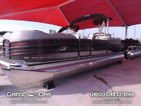 2015 Premier 260 Entertainer