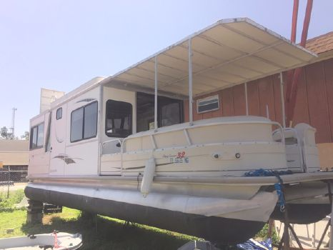 2006 Sun Tracker Party Cruiser