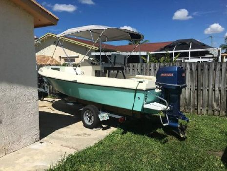 1988 Angler Boats 190 Center Console