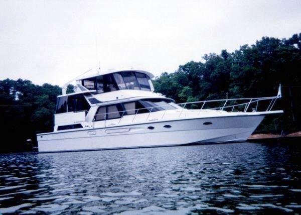 1989 President 52 Cockpit Motoryacht