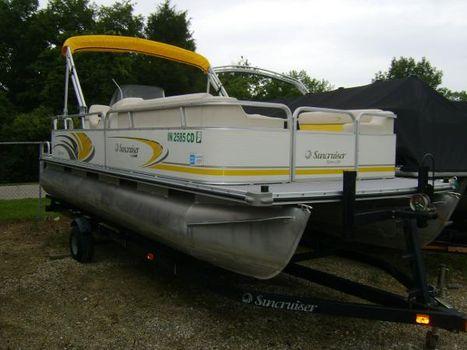2006 Lowe 210 Bimini