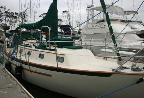 1998 Pacific Seacraft 34 Starboard View