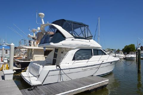 2000 Bayliner 3788 Command Bridge Motoryacht