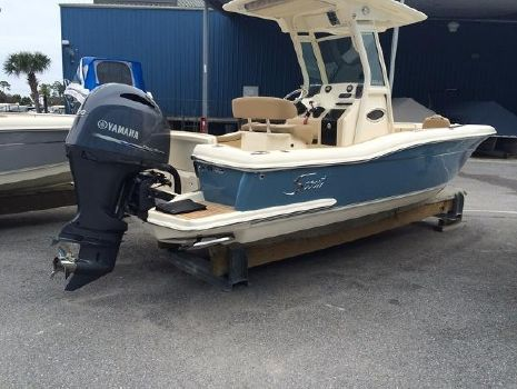 2016 Scout Boats 225 XSF