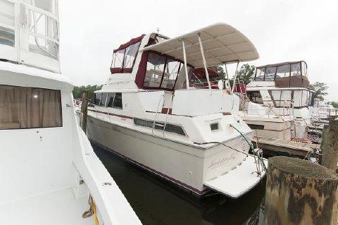 1990 Silverton 40 Motor Yacht Profile