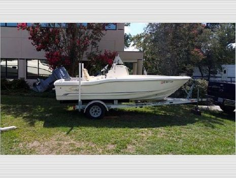 2007 Scout Boats Center Console