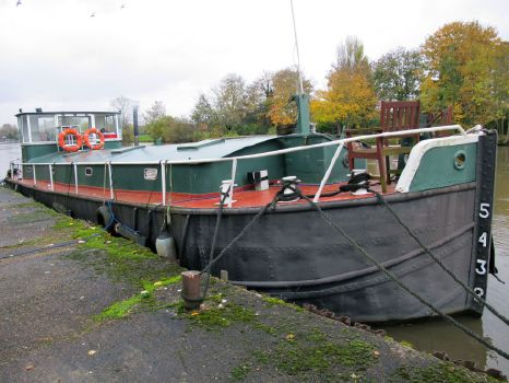 1947 FISHIN SKI BARGE 17m with Thames mooring
