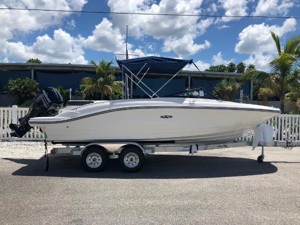 New 2019 SEA RAY SPX 210 Outboard, Sarasota, Fl - 34236