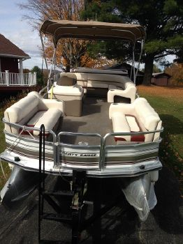 2002 Sun Tracker 21 Party Barge
