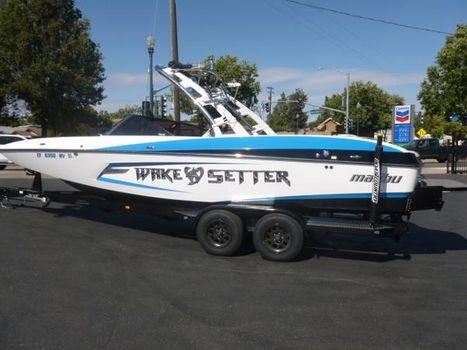 2013 Malibu Wakesetter 24 MXZ w/ Surfgate