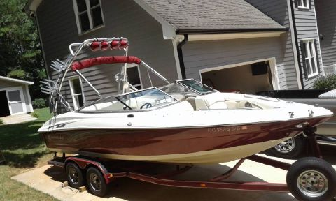2007 Caravelle Boats 237 LS BOWRIDER