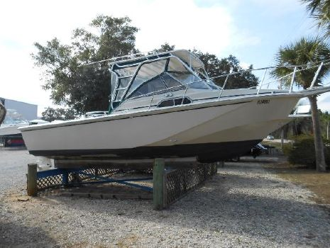 1988 BOSTON WHALER 27 Cuddy