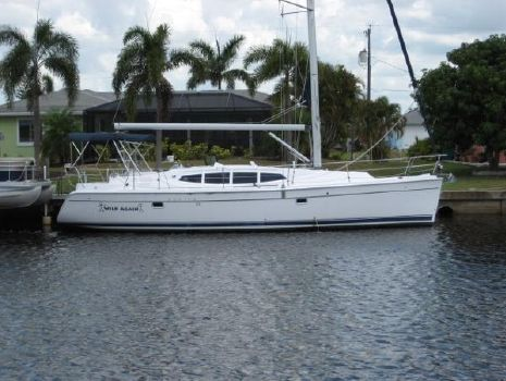 2011 HUNTER 39 SAILBOAT