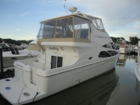 2005 Carver 41 Cockpit Mint (Low Hours)  2005 Carver 41 Cockpit Motor Yacht for Sale by Great Lakes Boats & Brokerage 440-221-9001