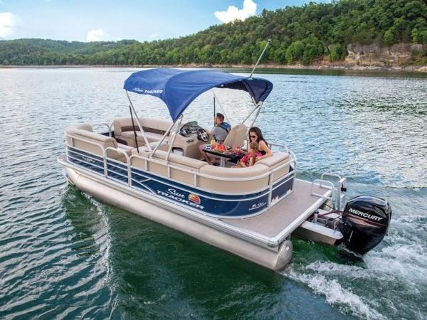 Sun Tracker Pontoon Boats >> Check Out This 2020 Sun Tracker Party Barge 20 Dlx On Boattrader Com