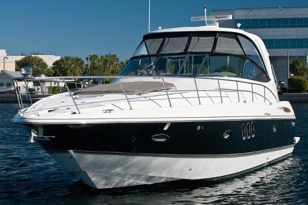 2010 Cruisers Yachts 460 Express