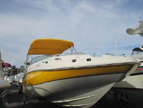 2009 Hurricane 240 Sun Deck