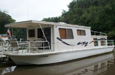 1977 Matte River Yacht 47 House Boat