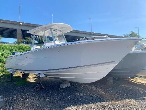 2020 COBIA BOATS 301 Center Console