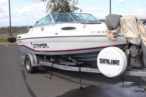 1992 Seaswirl 200 Cuddy