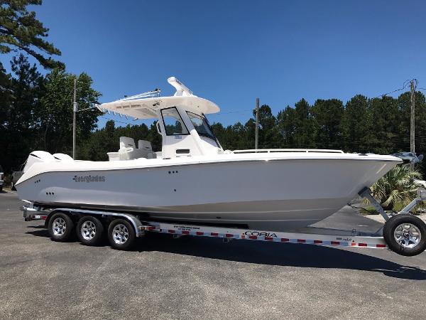 2016 Everglades Boats 295 CC