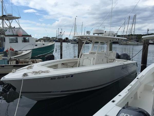 2015 Jupiter 30 FS at berth