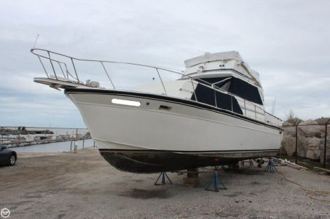 1986 Marinette Marinette Express - 32 1986 Marinette 32 for sale in Conneaut, OH