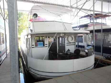1979 Lazy Days Houseboat