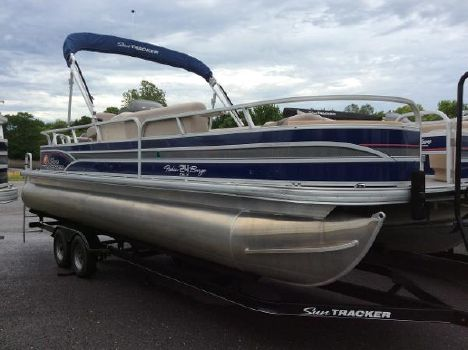 2015 Sun Tracker Fishin' Barge 24 DLX